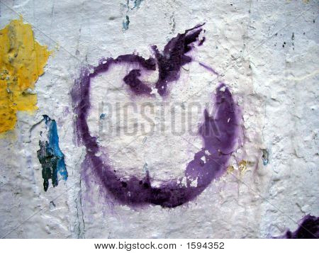Grafitti Stencil Purple Apple