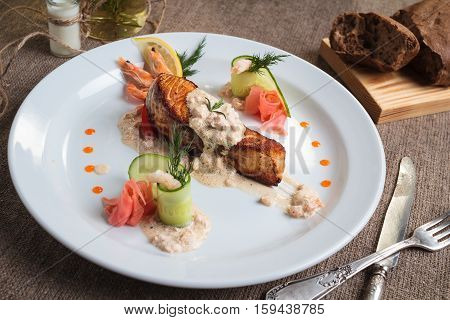 Grilled Salmon With Shrimp And Cream Sauce