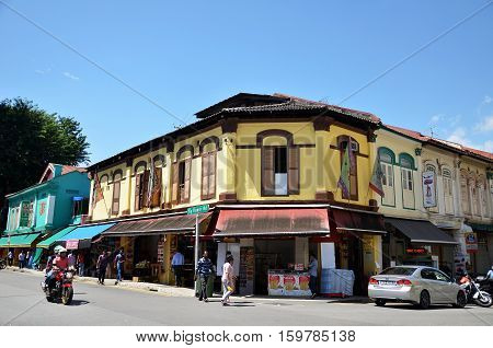 SINGAPORE - DEC 3, 2016: Little India district in Singapore. It's Singaporean neighbourhood east of the Singapore River and commonly known as Tekka in the local Tamil community