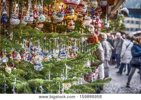 Palle di Natale al mercatino di Bolzano