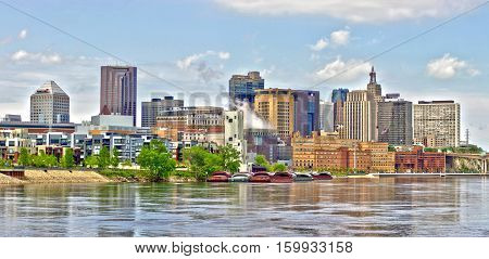 Saint Paul skyline along the Mississippi River.