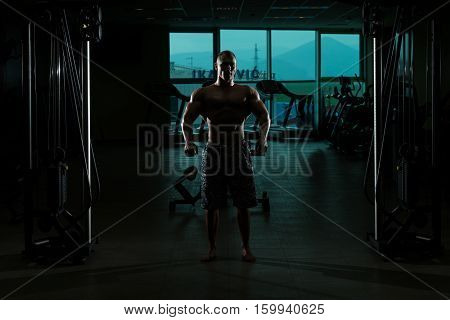 Siluet Portrait Of A Physically Fit Muscular Man