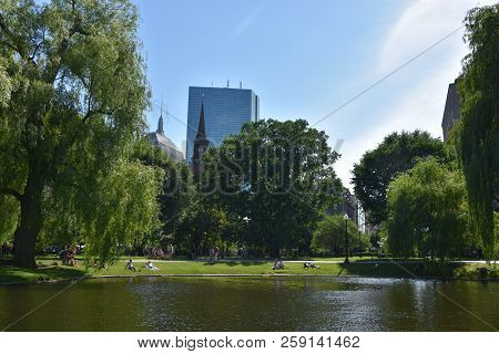 Boston, Ma - Jun 16: Public Garden In Boston, Massachusetts, As Seen On Jun 16, 2018.  It Is A Part