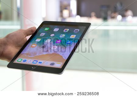 Belgrade, Serbia - September 13, 2018: New Apple Ipad Mini Is Displayed With Ios On The Screen In Ha