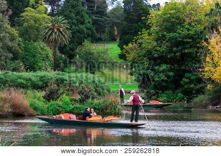 Melbourne, Australia - May 5, 2018: Gondola And Tourists On The Ornamental Lake In The Royal Botanic