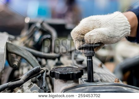 Use The Engine To Remove The Spark Plugs.