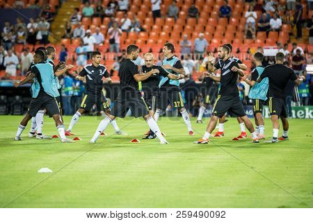 VALENCIA, SPAIN - SETEMBER 19: Juve players during UEFA Champions League match between Valencia CF and Juventus at Mestalla Stadium on September 19, 2018 in Valencia, Spain