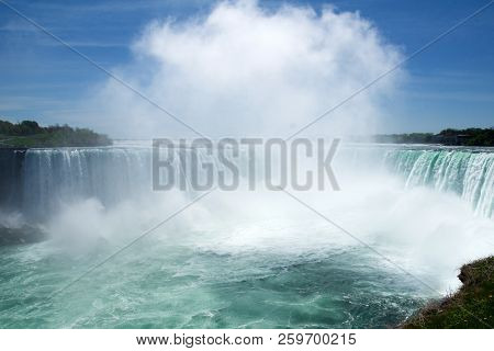 Niagara Falls, Ontario, Canada - May 21st 2018: Horseshoe Falls At Niagara Falls Viewed From The Can