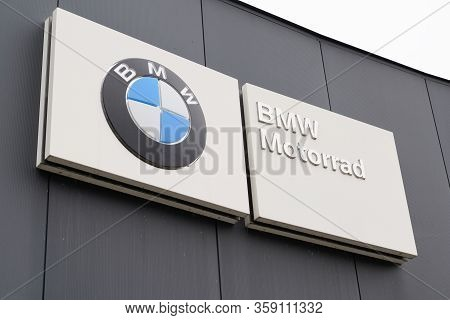 Bordeaux , Aquitaine / France - 10 17 2019 : Bmw Motorrad Dealership Logo Sign Shop Manufacturer Sig