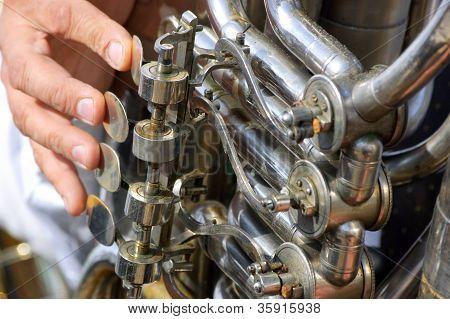 Old tuba mechanism