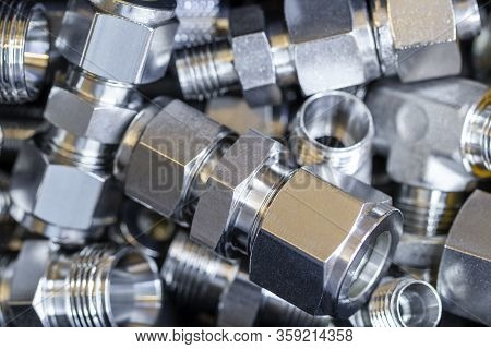 Quick Connect Fittings Coupling For Assembling Compressed Air, Hydraulics, Pneumatics, Gases, Fuel L