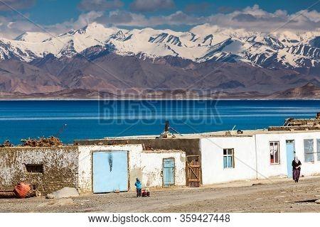 Karakul, Tajikistan - Circa June 2017: Beautiful View Of Karakul Village On Lake Karkul In Tajikista