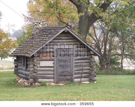 Tiny Log Cabin