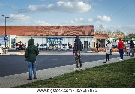 Warsaw, Poland - April 4, 2020: Lidl Store In Warsaw, After The Authorities Decide To Limit People I
