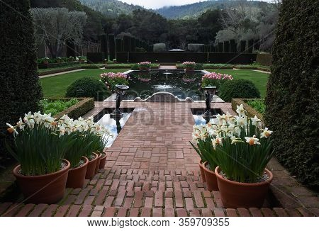 Woodside, Ca, Usa -march 8, 2018: Spring View Of Filoli Historic Garden