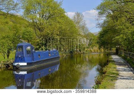 Friezland, Saddleworth Moor, Oldham; Greater Manchester; England; Uk, Europe  - May 6, 2018 : Canal