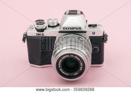 Huettenberg_germany_02_april_2020:  Olympus Om-5 The Olympus Om-d E-m5 Is A Mirrorless System Camera