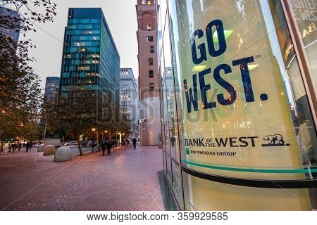 San Francisco, Usa - Oct 3, 2012: Advertisement Of Bnp Paribas Group Bank Of The West With Slogan Go