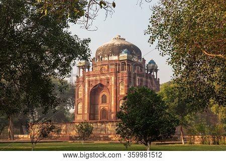 Barbers Tomb In Humayuns Tomb Complex On India, New Delhi