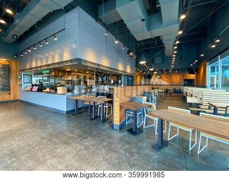 Orlando,fl/usa-3/18/20: The Closed Dining Room At The Shake Shack Restaurant Due To Panic Over The C