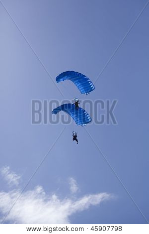 Stacked Parachute Divers