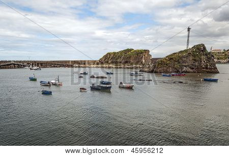 Pier promenade with boats