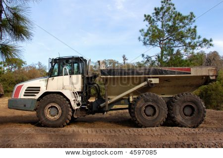 Heavy Duty Dump Truck Profile