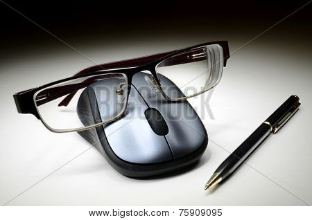 Computer Mouse With Glasses