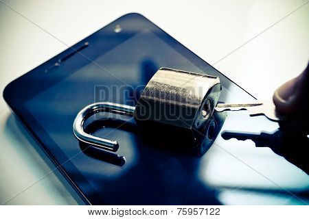 smartphone security hacked