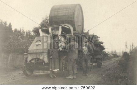 vintage 1919 photo