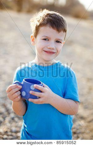 Litte Boy Show Dotted Mug