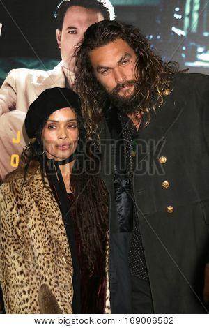 LOS ANGELES - JAN 9:  Lisa Bonet, Jason Momoa at the