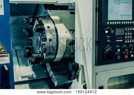 Horizontal turning lathe machine. CNC slant bed lathes.