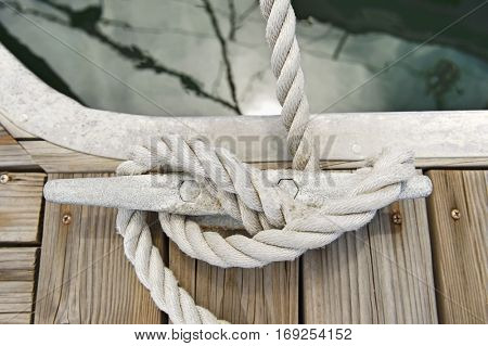Rope tied to a jetty cleat