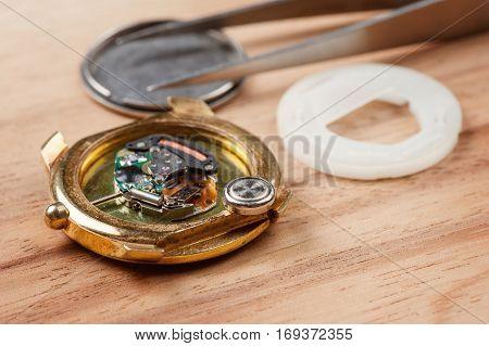 Reparing The Watch