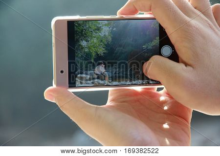 Mobile phone as both a communication device and use the camera to capture the situation where access is easy and timely fashion to effectively.