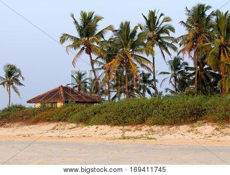fishing hut on the shores of the Indian Ocean