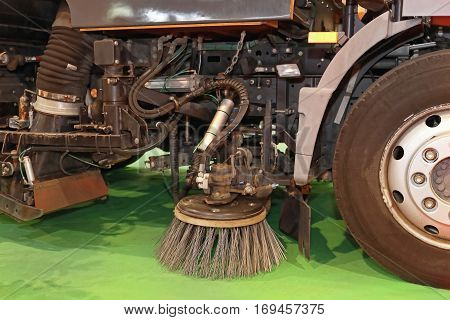 Rotating Cleaning Brush at Street Sweeper Truck