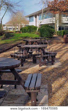 Picnic area next to office buildings on a business park