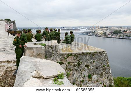 Soldiers Enjoying The View From La Cabana Fortress At Havana