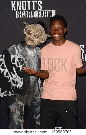 LOS ANGELES - SEP 30:  Dante Brown at the 2016 Knott's Scary Farm at Knott's Berry Farm on September 30, 2016 in Buena Park, CA