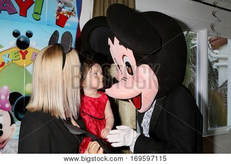 LOS ANGELES - DEC 4:  Adrienne Frantz Bailey, Amelie Bailey, Mickey Mouse character at the Amelie Bailey's 1st Birthday Party at Private Residence on December 4, 2016 in Studio CIty, CA