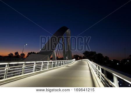 The Main Street Bridge in Columbus, Ohio offers a walkway for pedestrians.