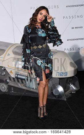 LOS ANGELES - DEC 14:  Dania Ramirez arrives to the