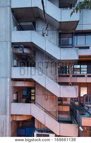 front facing the emergency stairs creating a pattern of concrete