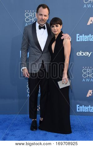LOS ANGELES - DEC 11:  Constance Zimmer and Russ Lamoureux arrives to the Critics' Choice Awards 2016 on December 11, 2016 in Hollywood, CA