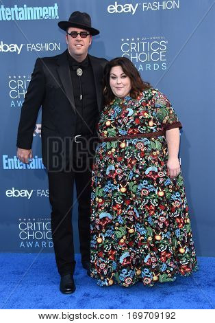 LOS ANGELES - DEC 11:  Chris Sullivan and Chrissy Metz arrives to the Critics' Choice Awards 2016 on December 11, 2016 in Hollywood, CA