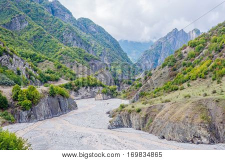 View Over Lahich River Bed Torrent