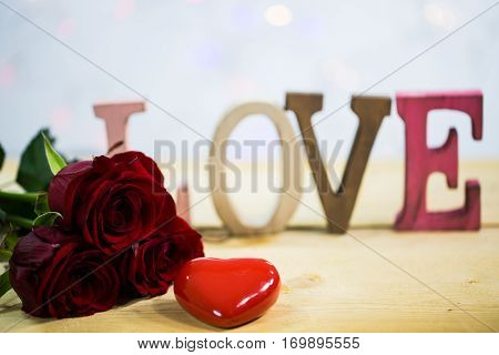 Roses with a heart - valentine wedding Lovetext