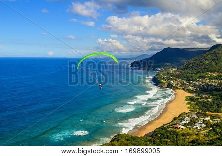 Paragliding above ocean - Stanwell Tops / Bald Hill Lookout - Australia